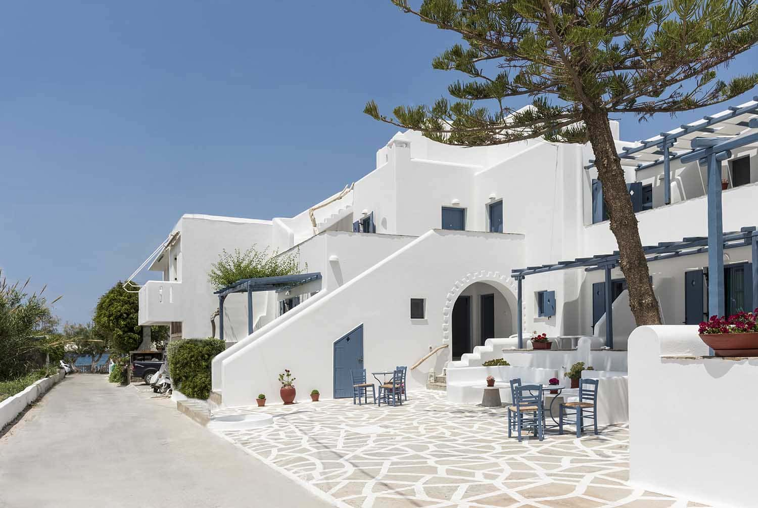 paros rooms for rent paros greece rooms to let apartments paros studios parikia magginas studios  accommodation hotels vacation beach home pic 1