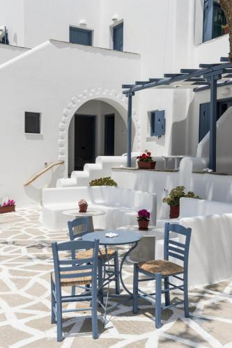 paros-rooms-for-rent-paros-greece-rooms-to-let-apartments-paros-studios-parikia-magginas-studios- accommodation-hotels-vacation-beach-paros-pic-10