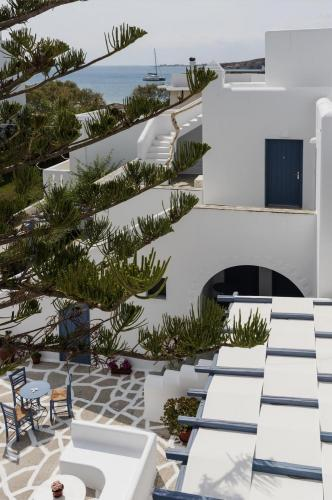 paros-rooms-for-rent-paros-greece-rooms-to-let-apartments-paros-studios-parikia-magginas-studios- accommodation-hotels-vacation-beach-paros-pic-13