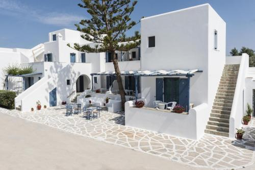 paros-rooms-for-rent-paros-greece-rooms-to-let-apartments-paros-studios-parikia-magginas-studios- accommodation-hotels-vacation-beach-paros-pic-3