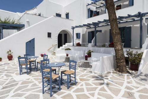 paros-rooms-for-rent-paros-greece-rooms-to-let-apartments-paros-studios-parikia-magginas-studios- accommodation-hotels-vacation-beach-paros-pic-6