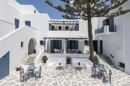 paros-rooms-for-rent-paros-greece-rooms-to-let-apartments-paros-studios-parikia-magginas-studios- accommodation-hotels-vacation-beach-paros-pic-7